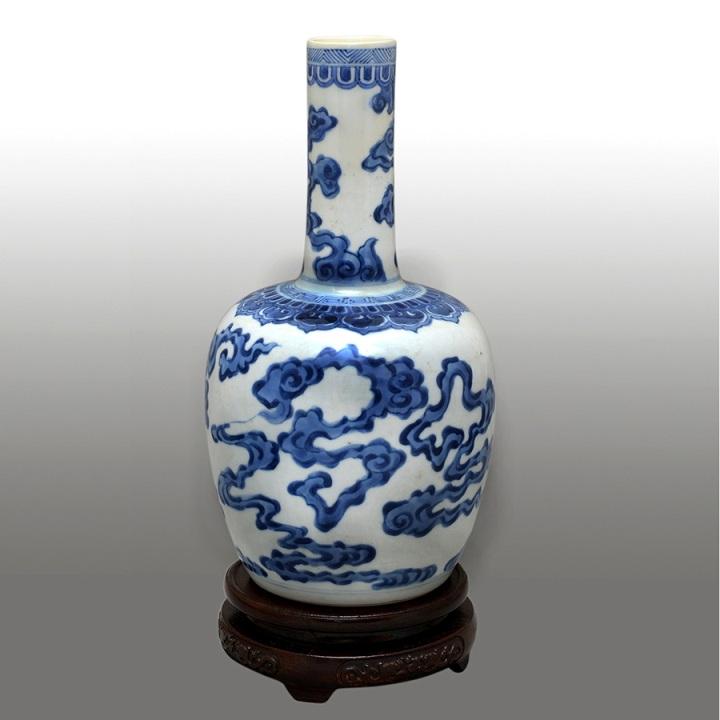 Nai Tản Vân men xanh trắng Đời Khang Hy